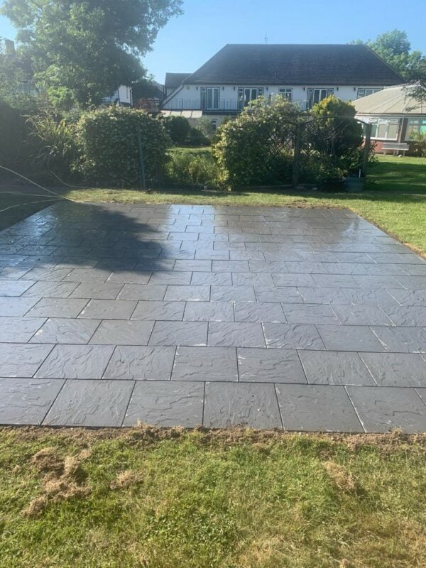 Charcoal paving patio Hornchurch Essex
