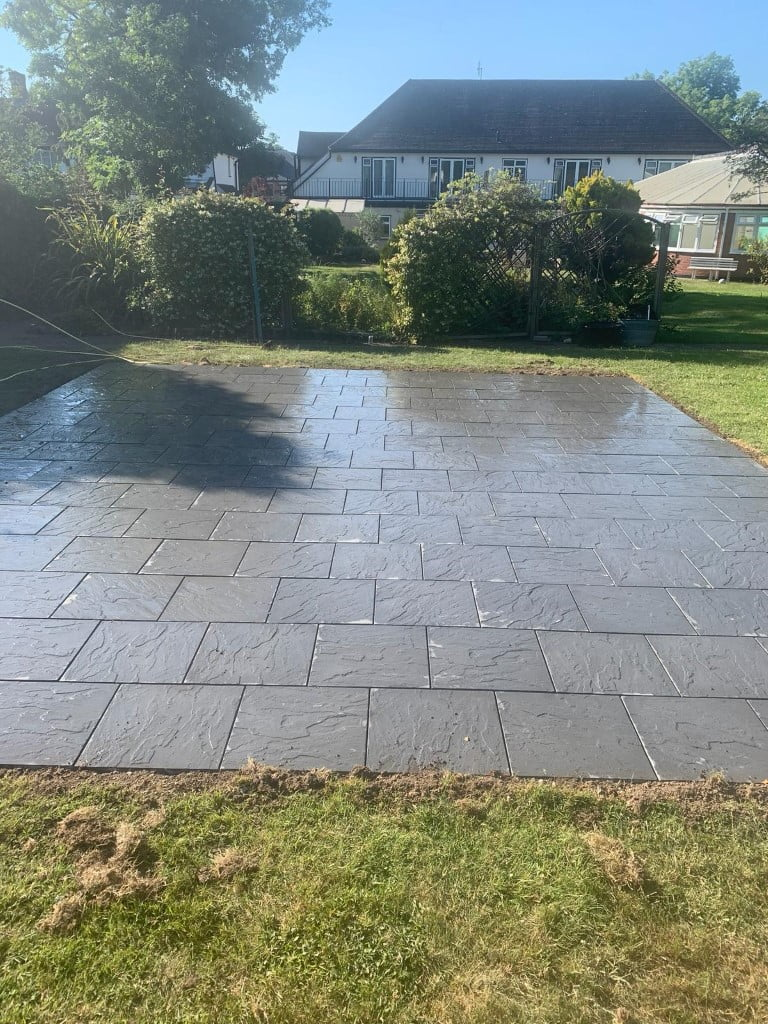 Charcoal paving patio Hornchurch
